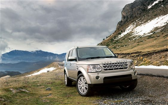 land-rover-lr4-front-view