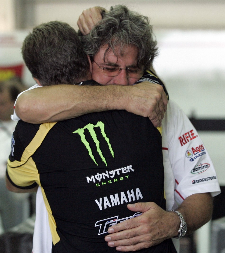 Video Marco Simoncelli 1987 2011 Arrives Home In
