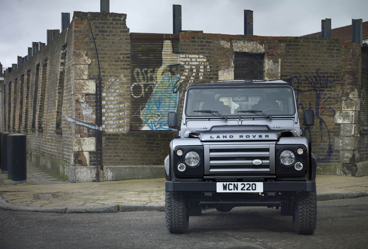 2012-land-rover-defender-xtech-special-edition-006