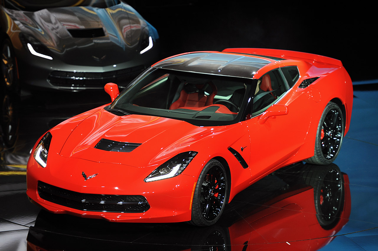 01-2014-chevrolet-corvette-reveal-1358126093