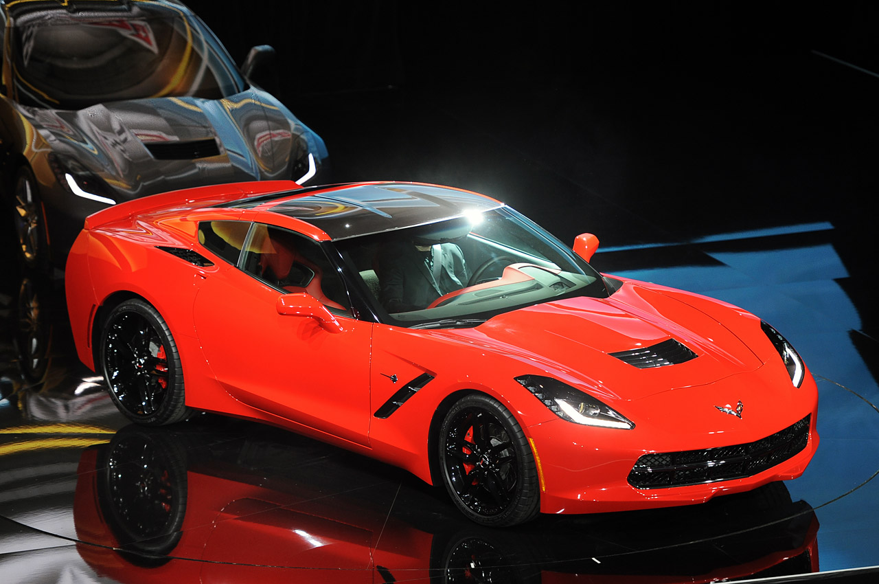 03-2014-chevrolet-corvette-reveal