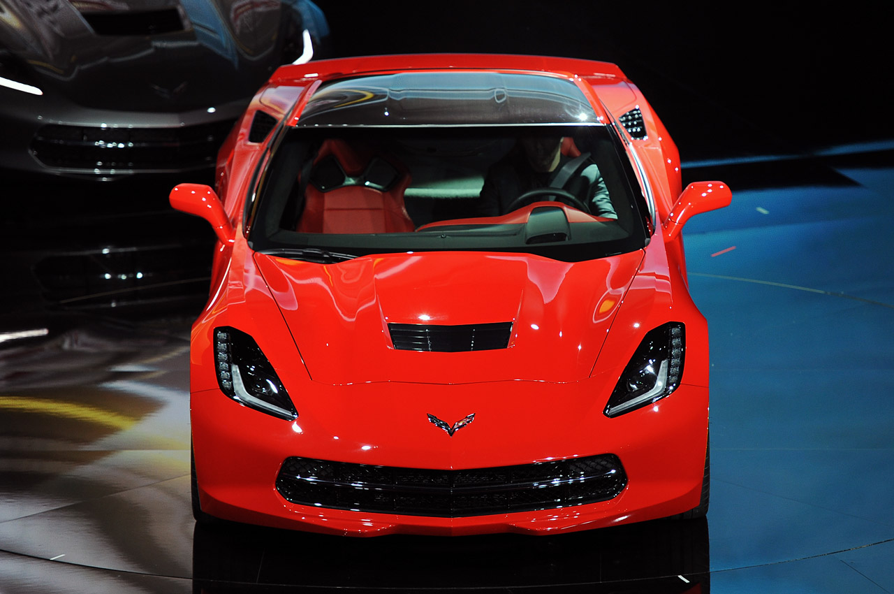 08-2014-chevrolet-corvette-reveal