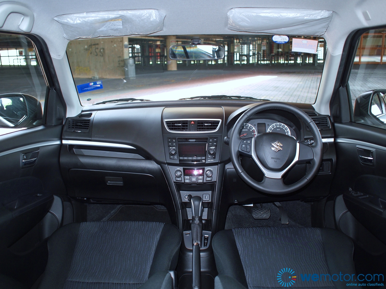 2013 Suzuki Swift 058
