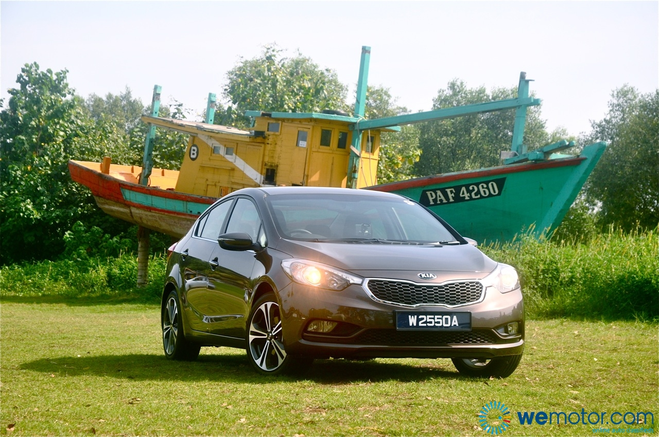 Review All New Third Generation 2013 Kia Cerato Under Hood Media Test Drive 104