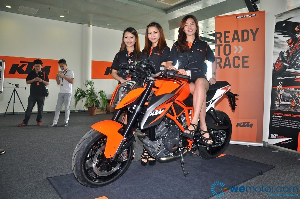 2014 KTM 1290 Super Duke R Launch 21