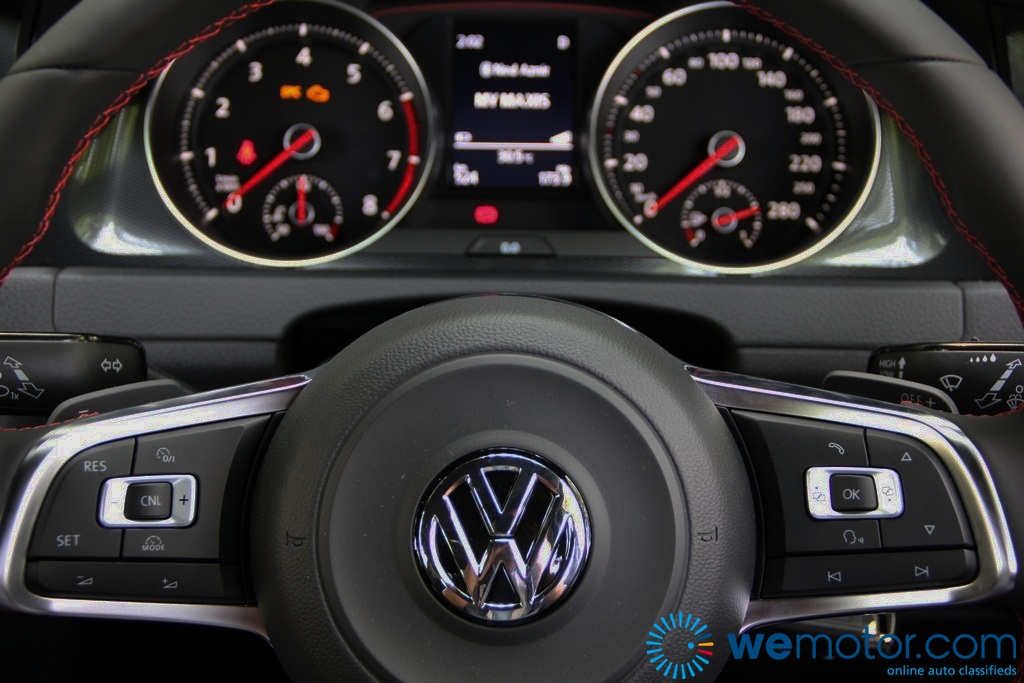 REVIEW Volkswagen Golf GTI Door Advanced Wemotorcom - 2013 volkswagen golf gti interior