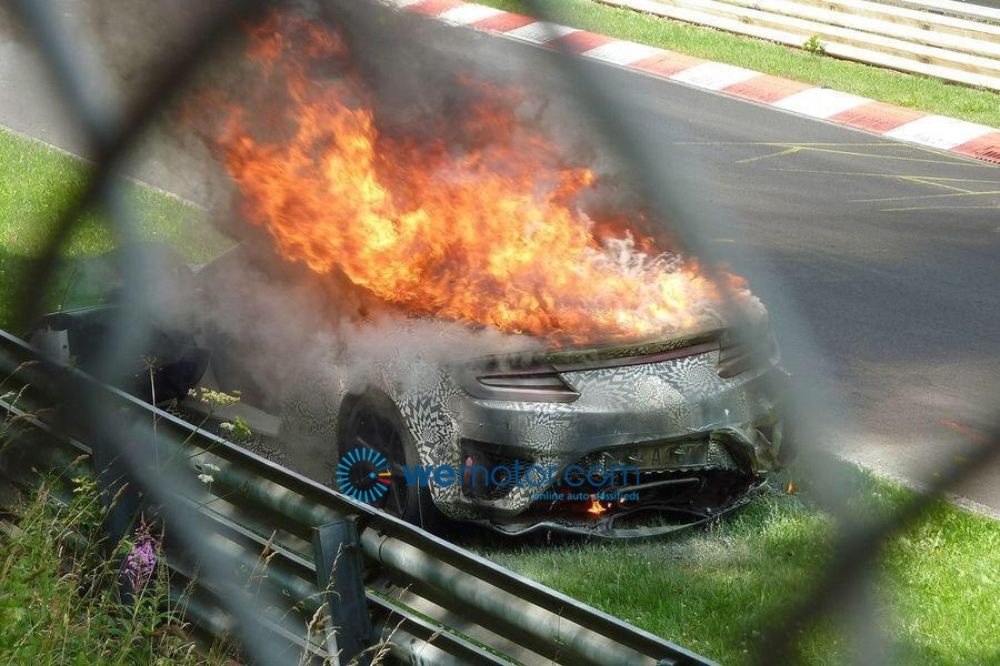 Honda NSX on fire - 1
