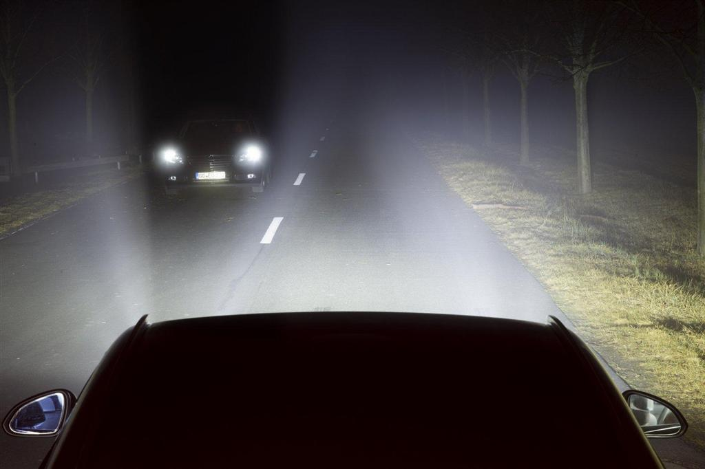 Opel - Eye-Tracking Adaptive Headlight Technology - 8