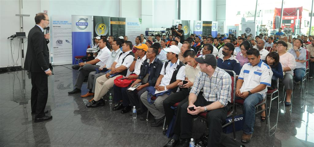 Volvo Trucks - Road Safety Issues - Forum - 3