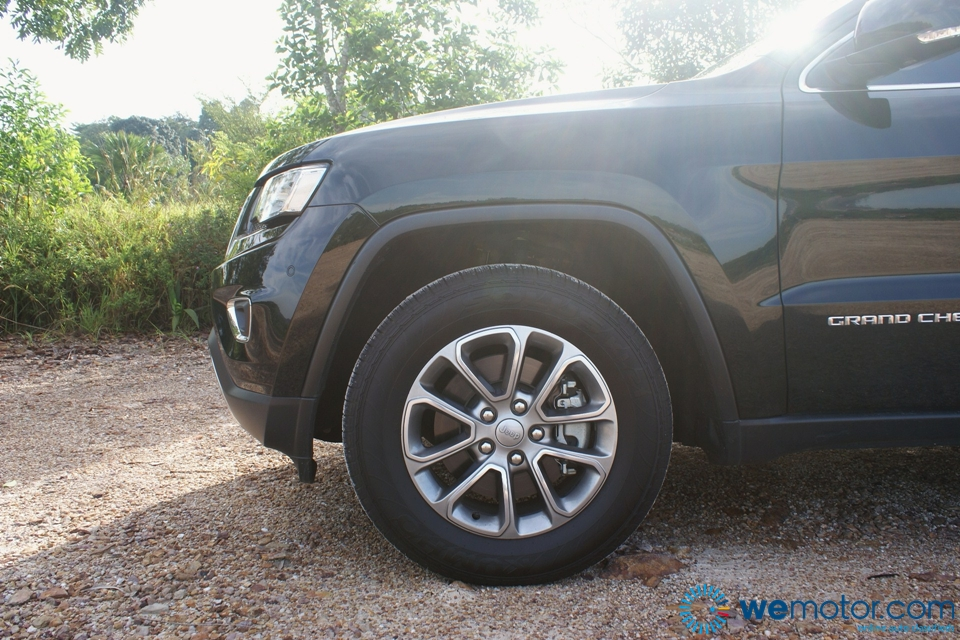 2014 Jeep Grand Cherokee Limited Review 027
