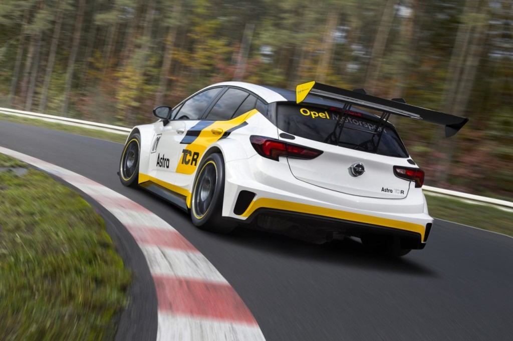 Opel Astra TCR 03