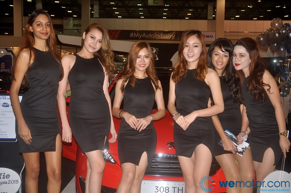 Girls Of ASEAN Auto 07