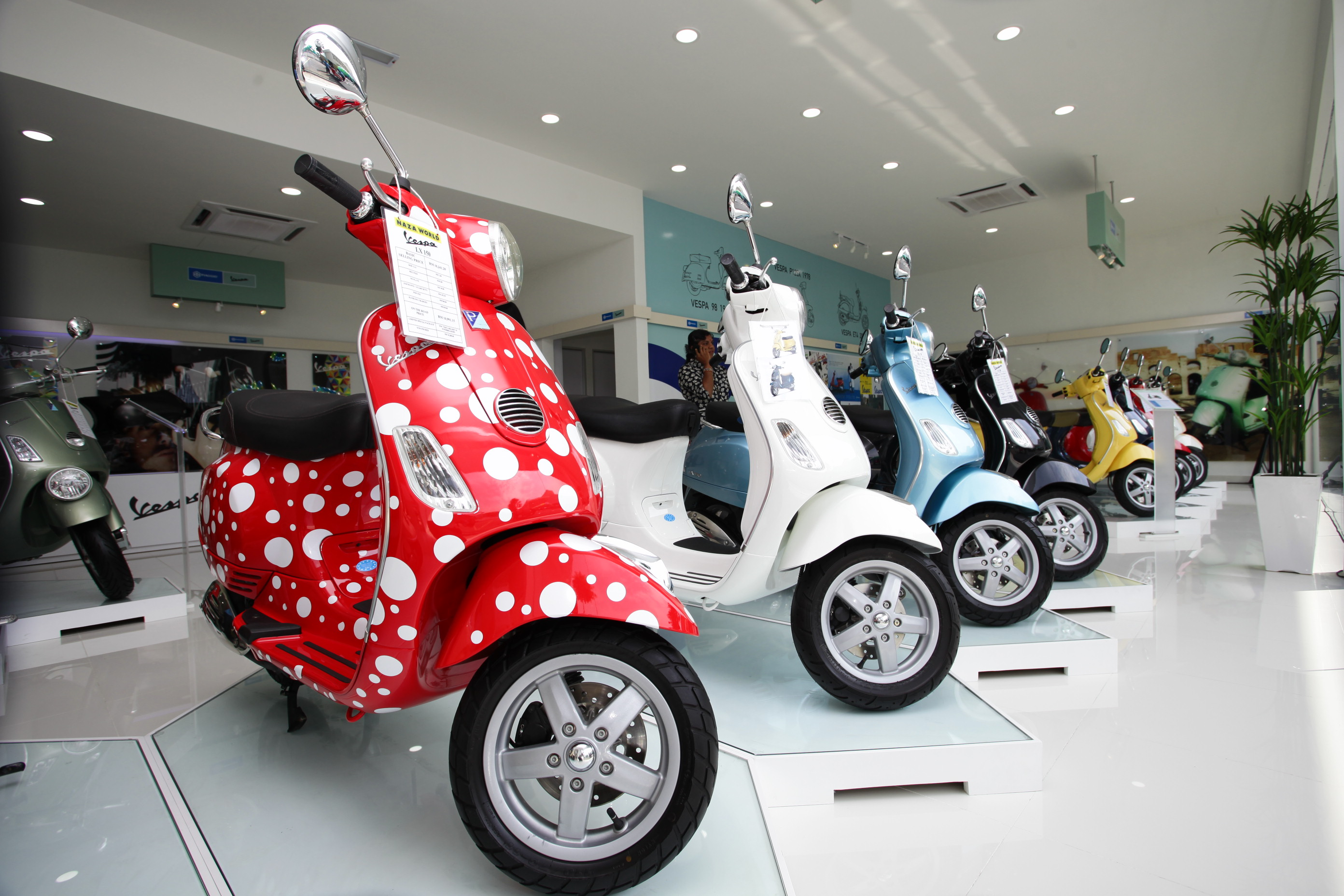 Vespa 3S Centre At NAZA Automall Launched - wemotor com